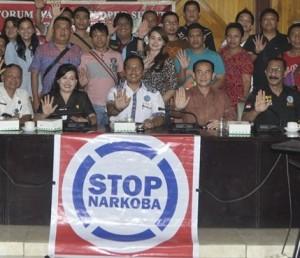 Foto  Forward  bersama BNN Sulut