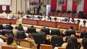 Rapat Banggar DPRD Sulut bersama dengan TAPD Pemprov Sulut, Selasa 5 April 2016