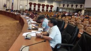 Suasana rapat pembahasan LKPJ Gubernur Sulut TA 2015