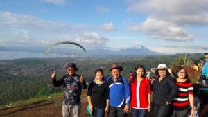 Para Wisatawan yang berkunjung di objek wisata Tetempengan Hill