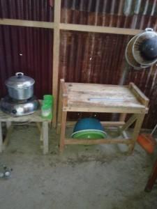 kompor serta tabung 3 kg, nampak raib