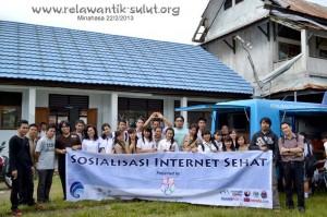 Relawan TIK Sulut dan TIK Manado menggelar sosialisasi internet sehat di SMA Kakas. (foto:dokumen rtik sulut)