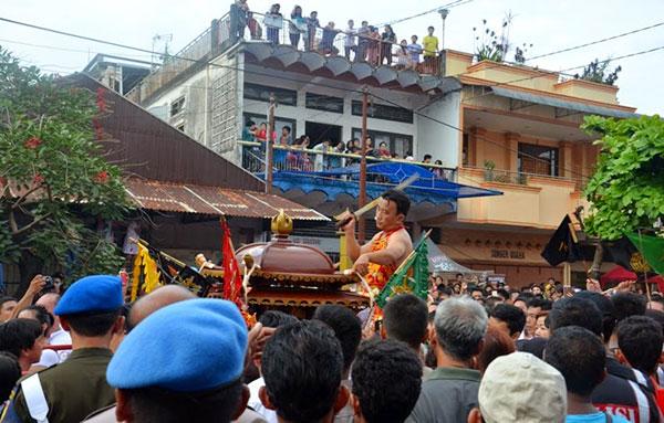 Atraksi Tangsin di Perayaan Cap Go Meh 2015