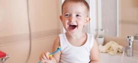 Cara Mengajarkan Anak Sikat Gigi