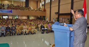 Djouhari Kansil Memberikan Sambutan Pada Sosialisasi Undang Undang RI No 6 Tahun 2014 Tentang Desa