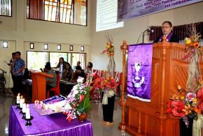 Djouhari Kansil Saat Memimpin Ibadah Syukur HUT ke-17 Jemaat GMIM Aer Terang Malalayang I Timur