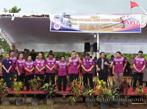 Sambutan Ketua Komisi Remaja Sinode GMIM Drs. Jantje Sajow