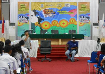 Eagle_Junior_Documentary_Camp_Roadshow_Manado_2013