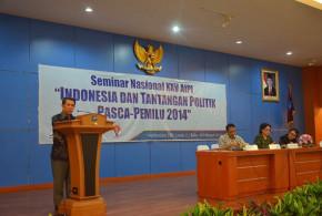 Gubernur S.H Sarundajang Saat Menjadi Pembicara Pada Seminar Nasional XXV AIPI