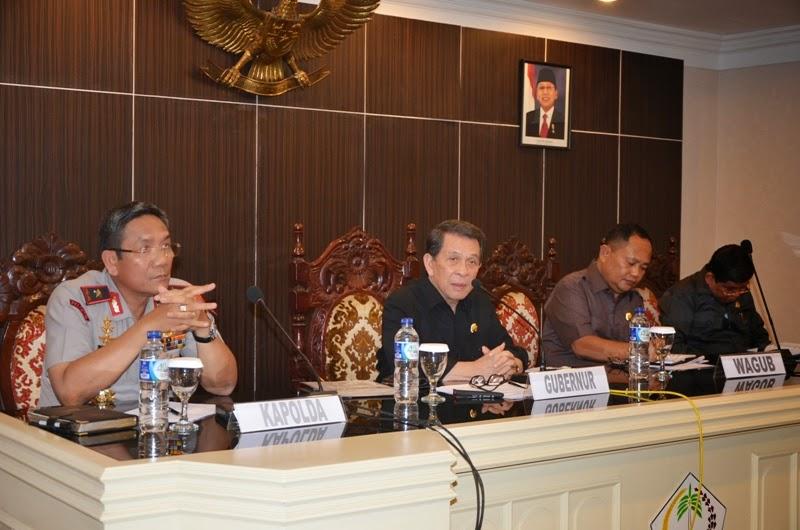 Gubernur Saat memimpin Rapat World Coral Reef Conference di Ruang Mapalus