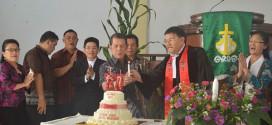 Gubernur Sulawesi Utara Sinyo Harry Sarundajang menghadiri HUT Jemaat GMIM Baitel Kolongan