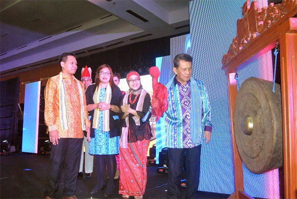 Gubernur Sulut Dr. Sinyo Harry Sarundajang secara resmi membuka kegiatan Konferensi Jurnalis Televisi Asia Pasifik