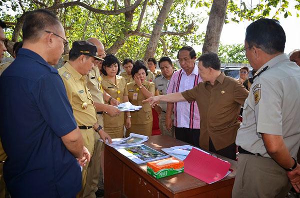 Gubernur Sulawesi Utara Sinyo Harry Sarundajang Meninjau Lokasi KEK bersama Walikota Bitung Hanny Sondakh