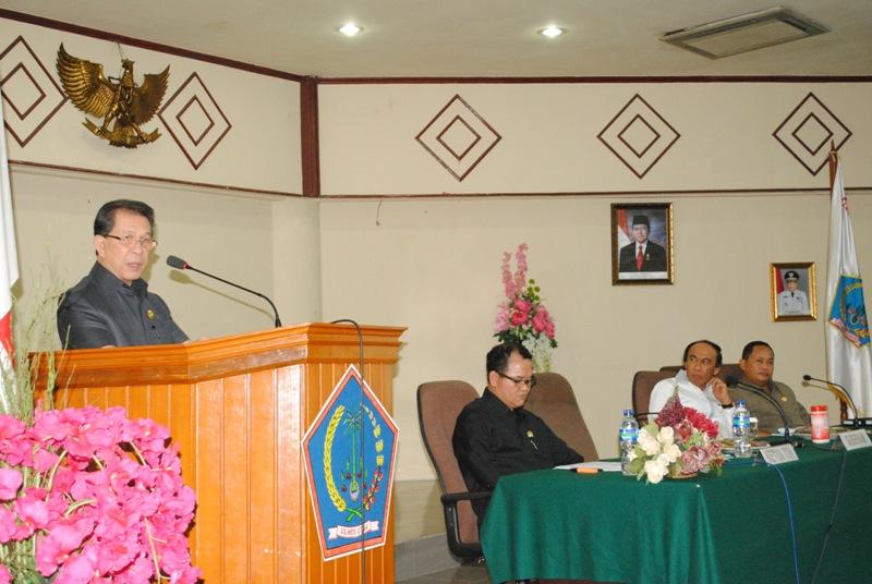 Gubernur Sulut Sinyo Harry Sarundajang terima kunjungan DPR RI. (foto:hms)