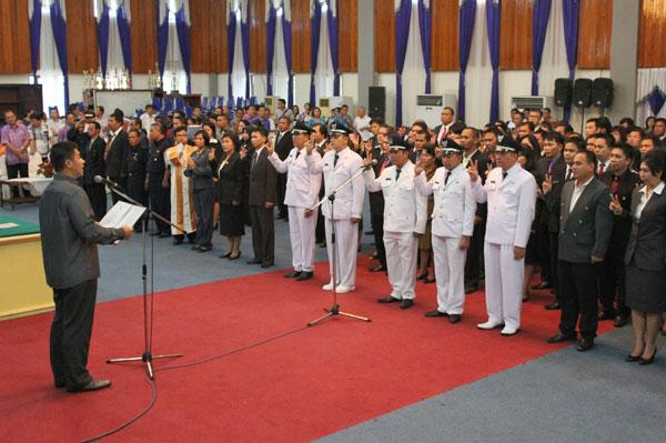 Harley Mangindaan Lantik Pejabat Eselon IV Pemerintah Kota Manado