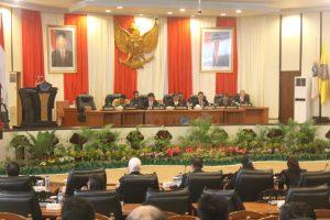 Rapat Paripurna Istimewa dalam rangka Penyampaian/penyerahan keputusan DPRD tentang rekomendasi DPRD terhadap Laporan Keuangan PertanggungJawaban (LKPJ) Kepala Daerah Provinsi Sulawesi Utara Tahun 2015.