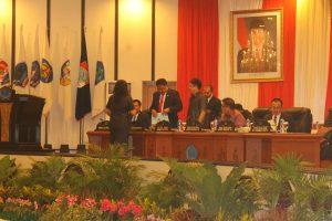 penyerahan laporan kegiatan masa reses pertama dari masing-masing Daerah Pemilihan (Dapil).