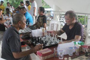Monnutu mewakili Deprov sulut mengikuti pertandingan catur.