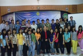 Jemmy Asiku Berikan Kuliah Umum Kepada Mahasiswa De La Salle Manado