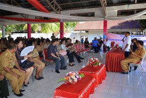 Kansil Saat Bertemu Guru dan Birokrat di Kecamatan Tagulandang