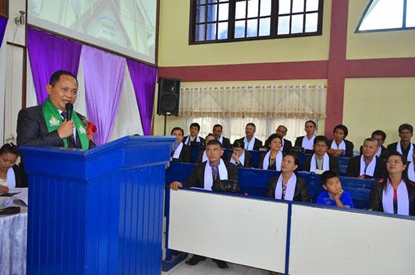 Kansil Saat Membawakan Sambutan di Jemaat Immanuel Paso Wilayah Pinasioan Kecamatan Kakas Barat