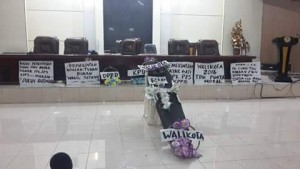 Karangan Bunga Untuk Pejabat Walikota