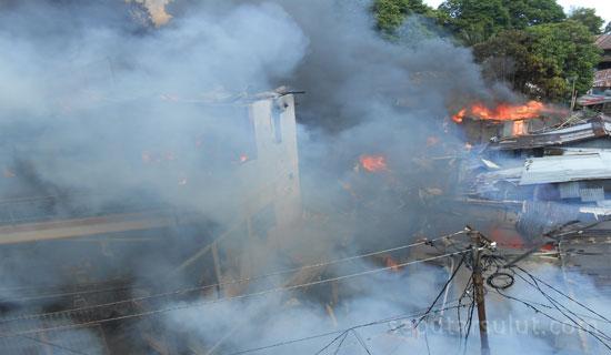 Kebakaran Lorong Majalah Manado