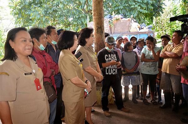 Kepala Dinas Kesehatan Prov Sulut dr. Grace  Punuh dan Karo Perekonomian Janne Mendur