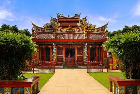 Klenteng-Ban-Hin-Kiong-Manado