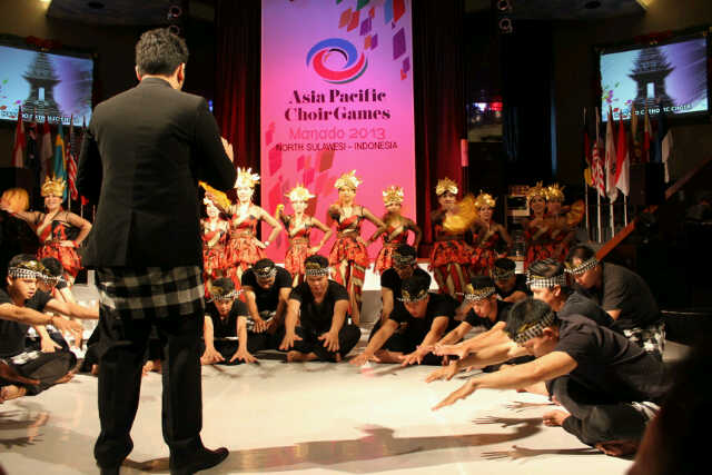 Manado Catholic Choir Saat Tampil di Asia pacific Choir Games