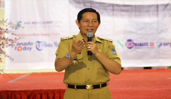 Manado_walikota_manado_GSV_Lumentut