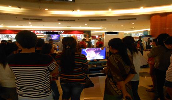 Novita_Dewi_X-Factor-Indonesia_tampil_di_Manado