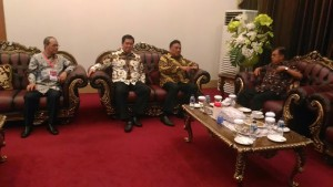 Gubernur serta Wagub Sulut sambut Kedatangan Wapres RI, Jumat, 18 Maret 2016