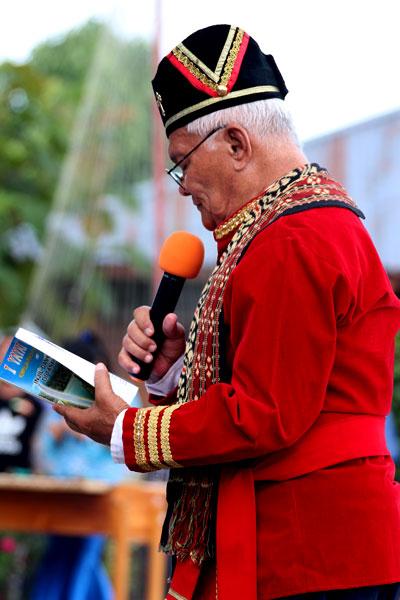 Pdt. Prof W A Roeroe - Festival Adat Pinawetengan 2013
