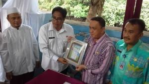 Pejabat Walikota dan Ketua BKKBN Manado Micler Lakat SH