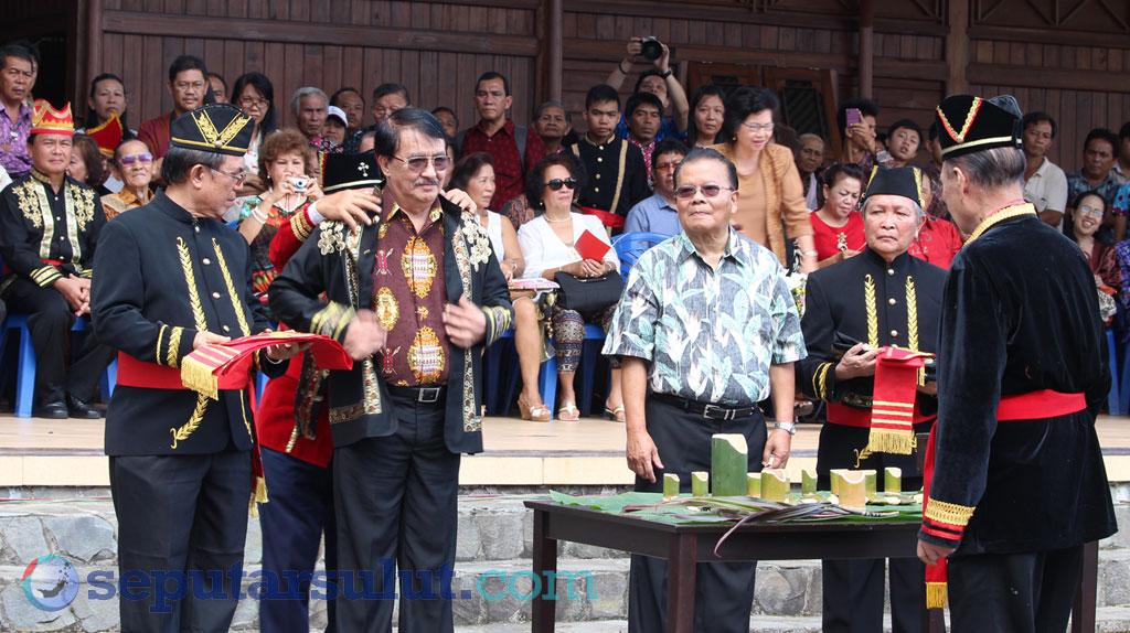 Pelantikan Tonaas Wangko di Festival Pinawetengan 2013