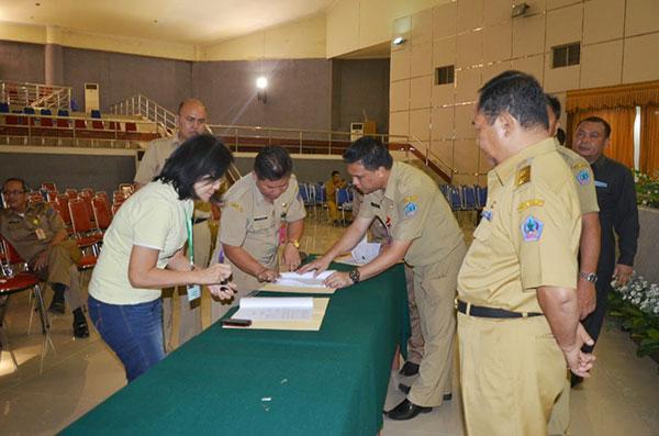 Penandatanganan Kontrak Proyek Paket 2 Pemprov Sulut