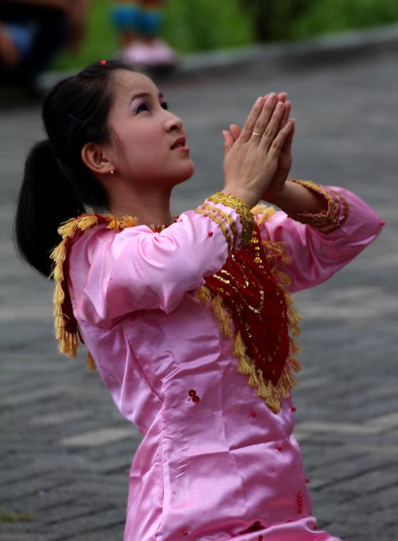 Penari Adat di festival Pinawetengan