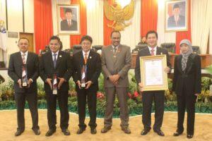 Pimpinan DPRD, Wagub Sulut Dan BPK