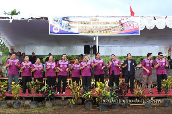 Puji pujian Komisi Remaja Sinode GMIM