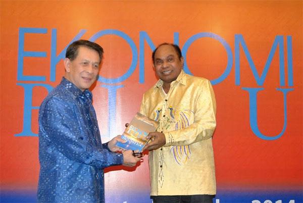 Sarundajang Luncurkan Buku Ekonomi Biru Masa Depan Indonesia