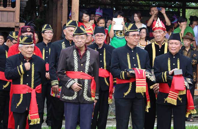 Sejarah Sulawesi Utara - Tua-tua Adat Suku Minahasa