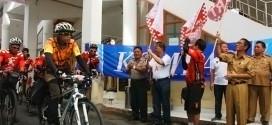 Sekda Minsel Drs. Danny Rindengan Melepas Kompas Jelajah Sepeda Amurang Makassar