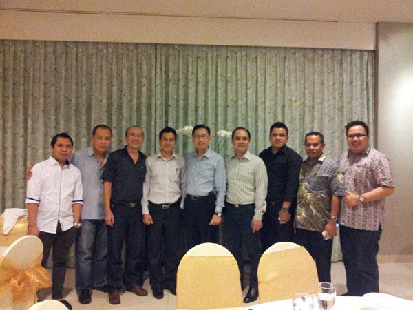 Sharing Bisnis Telekomunikasi Bersama James Riady