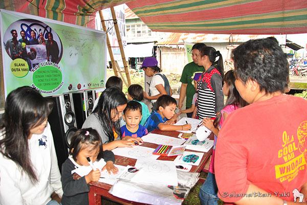 Stan informasi di Langowan oleh tim Selamatkan Yaki