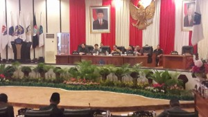 Suasana Rapat Paripurna DPRD Sulut penyampaian LKPJ Gubernur Sulut TA 2015