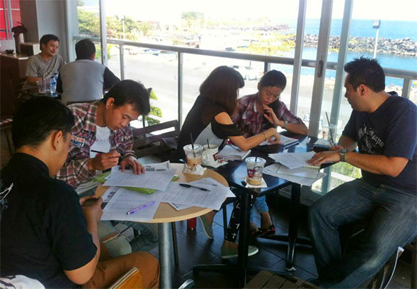 Suasana belajar Siswa CSI Manado di luar kampus