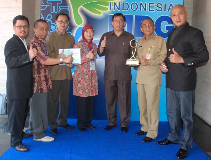 Sulawesi Utara Juara I Program Pengelolaan Sampah MDGs