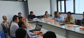 Sulut Tuan Rumah Dialog Lintas Agama Indonesia Jerman - Mecky Onibala memimpin rapat dengan anggota BKSAUA Sulut.