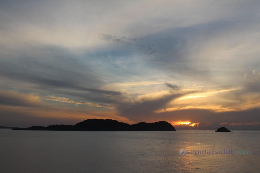 Sunrise di Tumbak Minahasa Tenggara